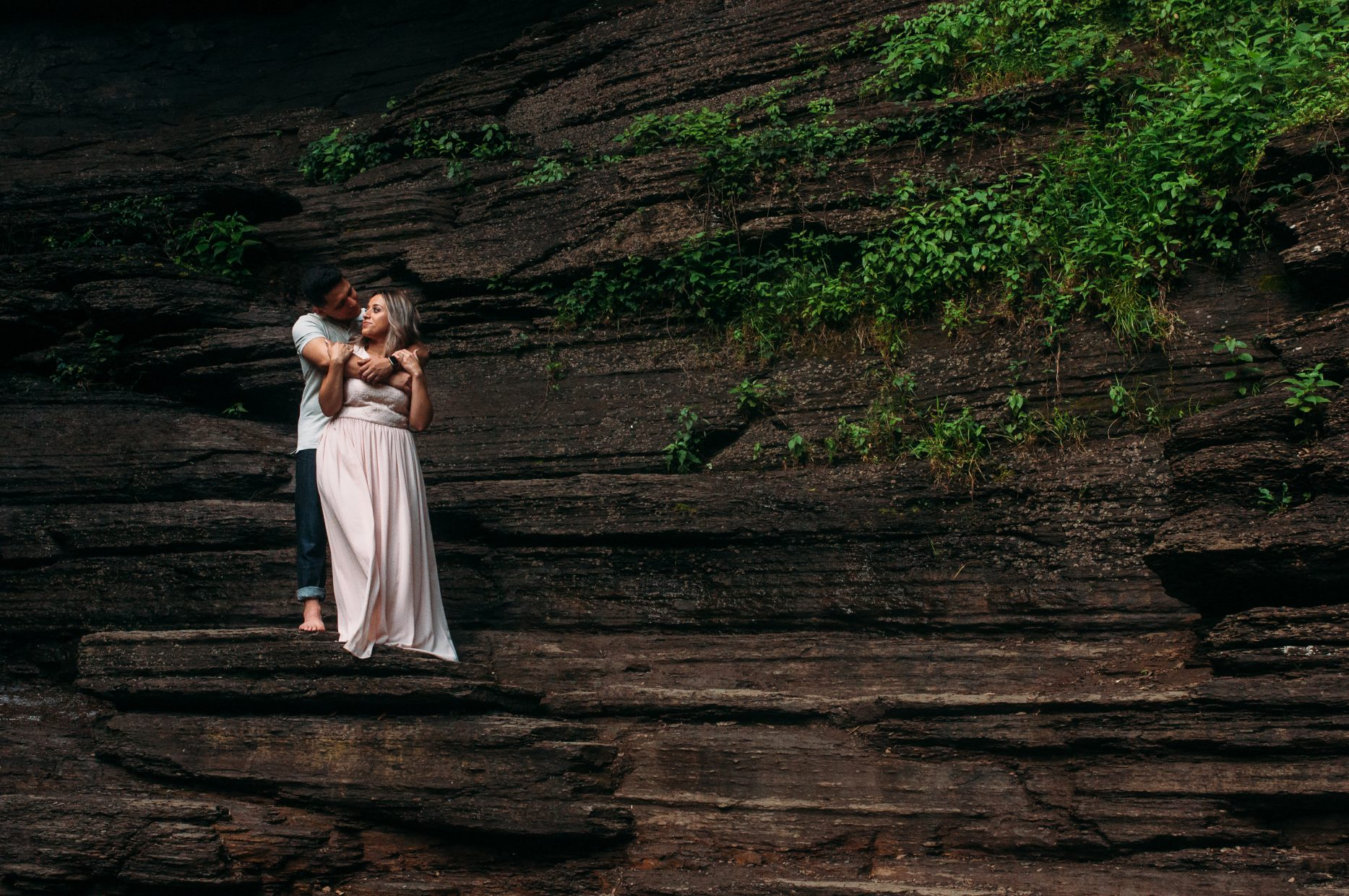 Cedar-Falls-Engagement-Session-Britney-Logan-Photography